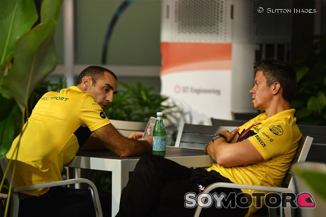 Cyril Abiteboul y Marcin Budkowski en Marina Bay - SoyMotor.com