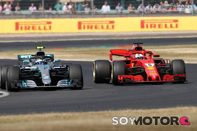 Valtteri Bottas y Sebastian Vettel en Silverstone - SoyMotor.com