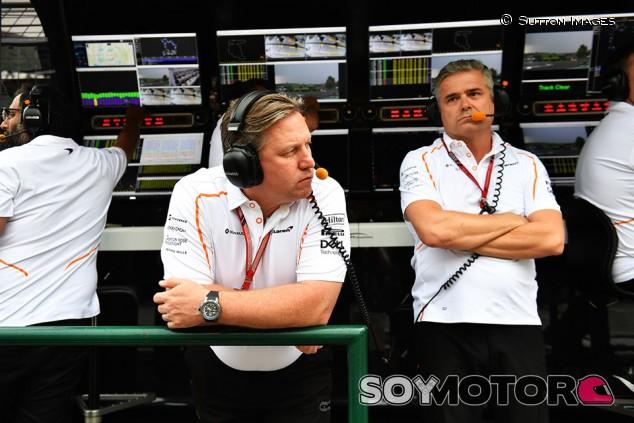 El dilema de McLaren: supervisión o dedicación total