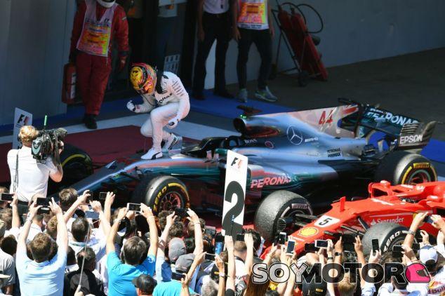 Hamilton celebra su victoria número 55 - SoyMotor.com