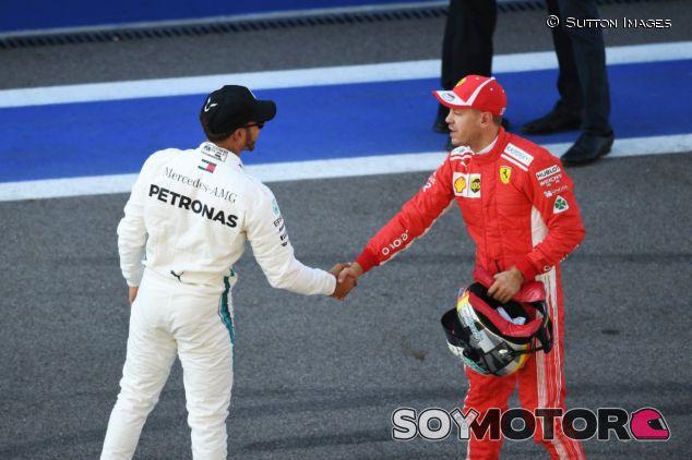 Lewis Hamilton y Sebastian Vettel– SoyMotor.com