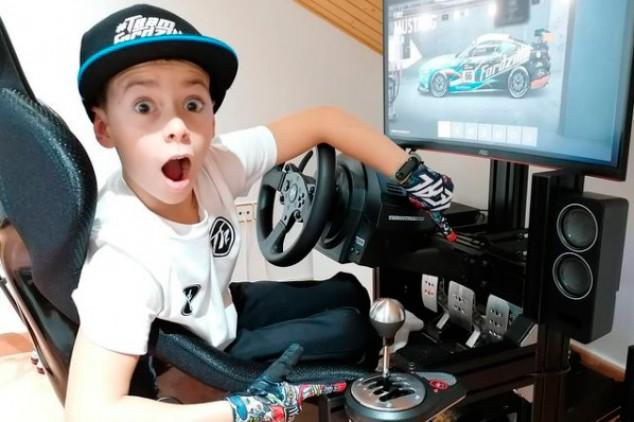 Abel Torres, un niño prodigio de 10 años en el Campeonato de España de GT - SoyMotor.com