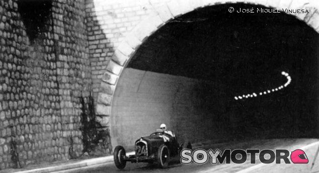 Achille Varzi saliendo del túnel - LaF1