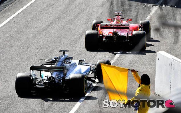 Valtteri Bottas y Kimi Räikkönen en Barcelona - SoyMotor