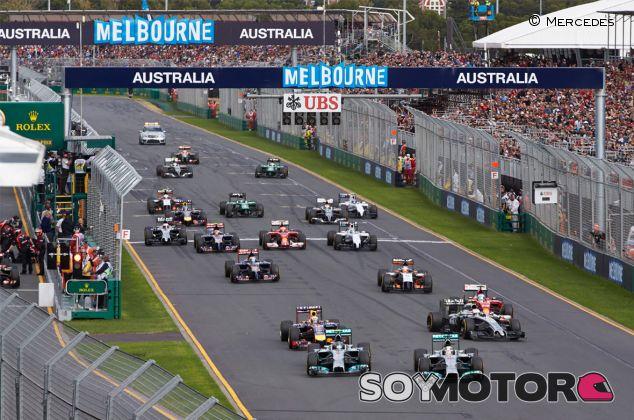 Salida del Gran Premio de Australia, el primero de la era V6 Turbo - LaF1