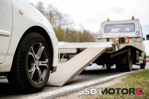 Algunas acciones mínimas pueden librarnos de tener que llamar a la grúa estas vacaciones - SoyMotor.com