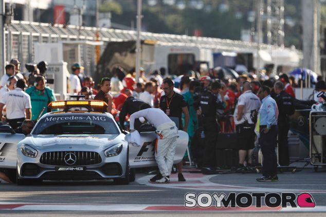 Lewis Hamilton y Sebastian Vettel en Bakú - SoyMotor