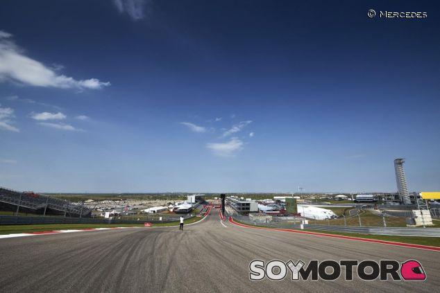 Vista de la recta principal del circuito de Austin desde la primera curva - LaF1