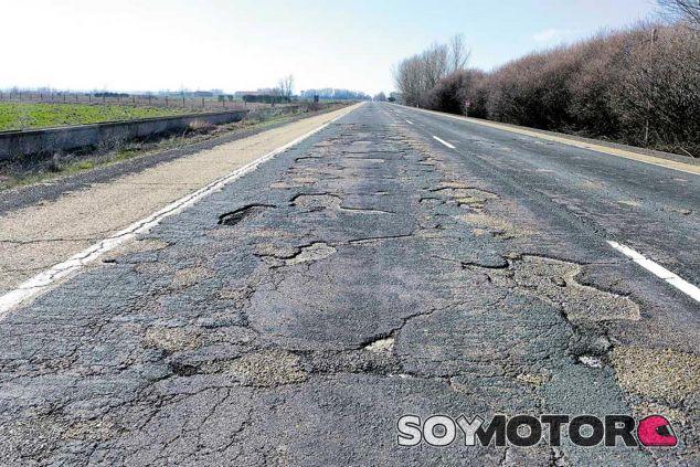 El Gobierno reduce el presupuesto para conservación de carreteras y acumula un déficit de 6.500 millones de euros - SoyMotor.com