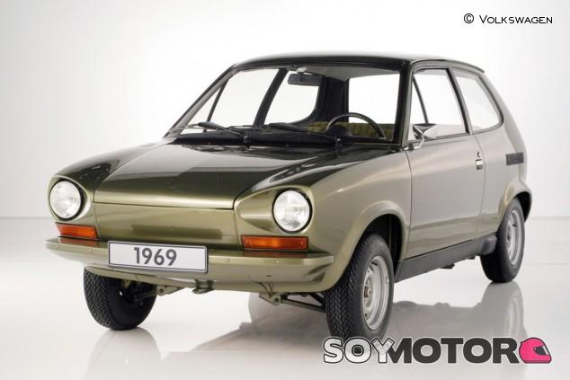 Así era este precursor del Golf, que contaba tanto con maletero delantero como trasero - SoyMotor.com