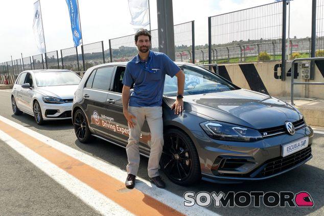 Participamos en la Escuela R de Volkswagen: ¿qué se aprende en un curso de conducción? - SoyMotor.com