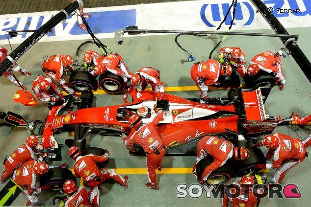 Kimi Räikkönen cambia superblandos por ultrablandos en la parada que le costaría el podio - LaF1