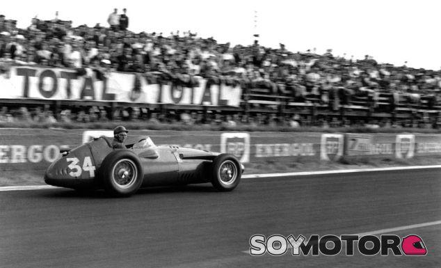 Juan Manuel Fangio el día de su retirada en Reims 1958 - LaF1