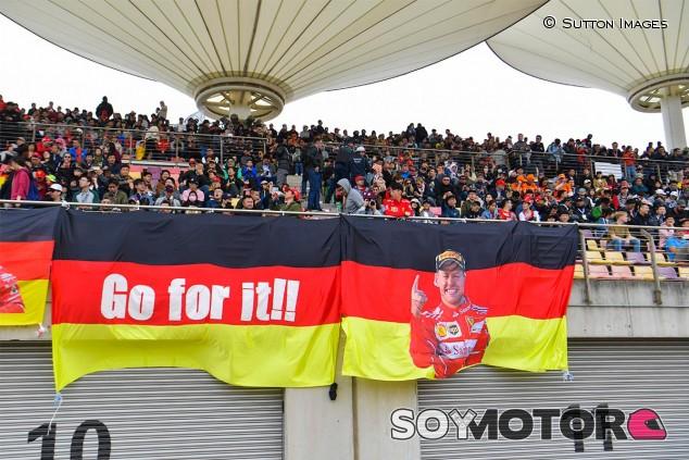 Aficionados de Ferrari en el GP de China F1 2019 - SoyMotor
