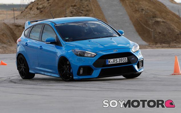 Participamos en el 'estudio de la felicidad' con el Ford Focus RS - SoyMotor.com