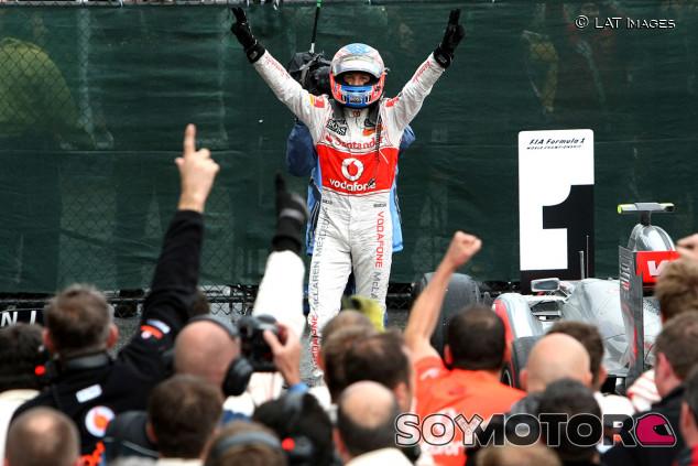 Se cumplen diez años de Canadá 2011: Button ganó la carrera más larga de la historia de la F1 - SoyMotor.com