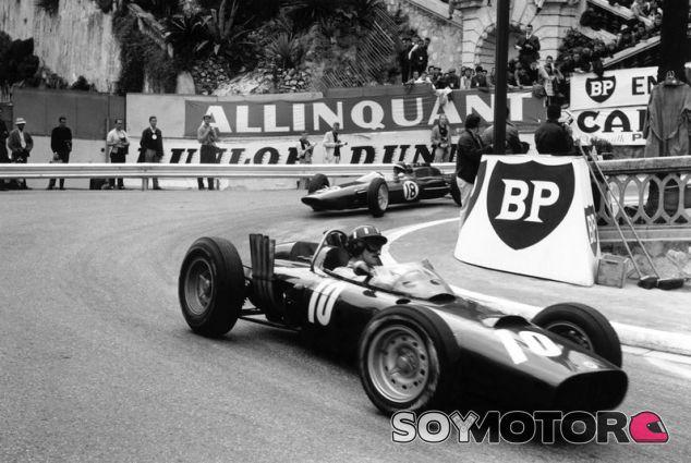 Graham Hill y Jim Clark en el GP de Mónaco 1962 - SoyMotor.com