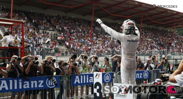 Lewis Hamilton celebra su victoria en Spa-Francorchamps - LaF1