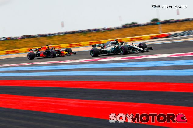 Lewis Hamilton y Daniel Ricciardo en Paul Ricard - SoyMotor.com