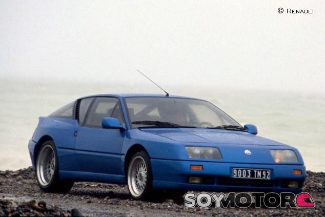 El Renault Alpine GTA Turbo se mantuvo en producción hasta 1991 - SoyMotor.com