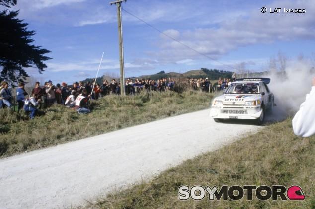 Surrealismo en el WRC (I): la 'locura' del Grupo B y los dedos humanos encontrados en el motor del Peugeot 205 T16 - SoyMotor.com