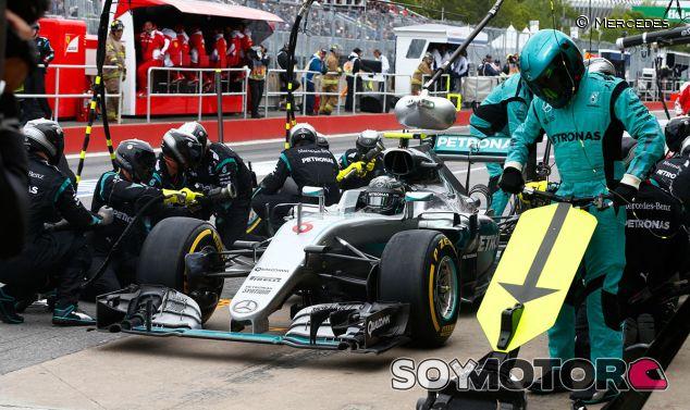 Pit stop de Nico Rosberg en el GP de Canadá F1 2016 - LaF1.es