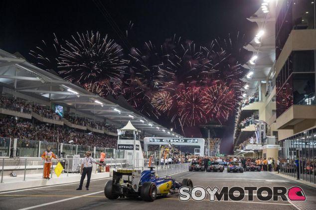 La Fórmula 1 se despidió hasta el año que viene con un vistoso juego de luces - LaF1
