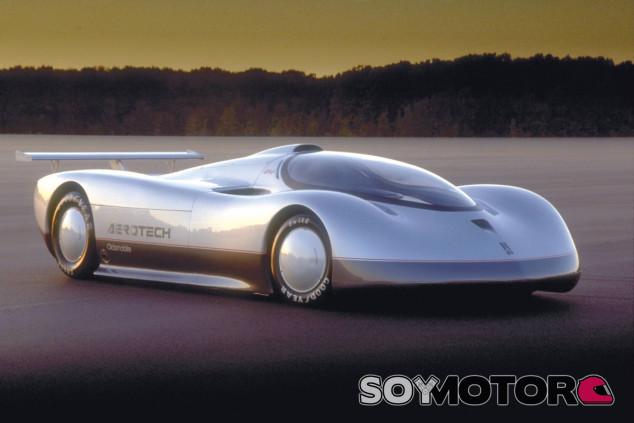 El Oldsmbile Aerotech todavía mantiene alguno de los récords que registró en su día - SoyMotor.com