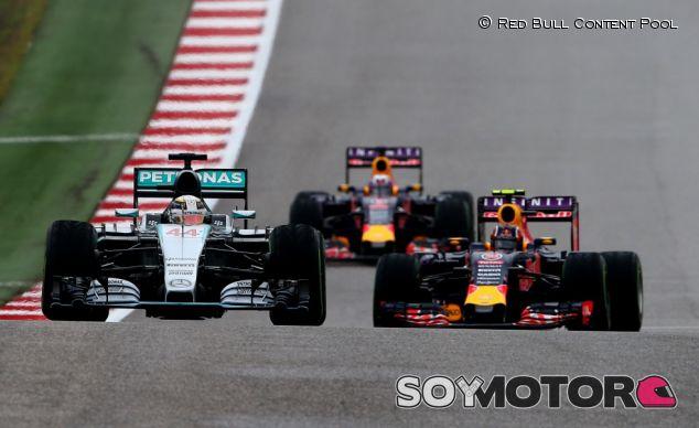Hamilton consigue el título en una carrera de locos - LaF1