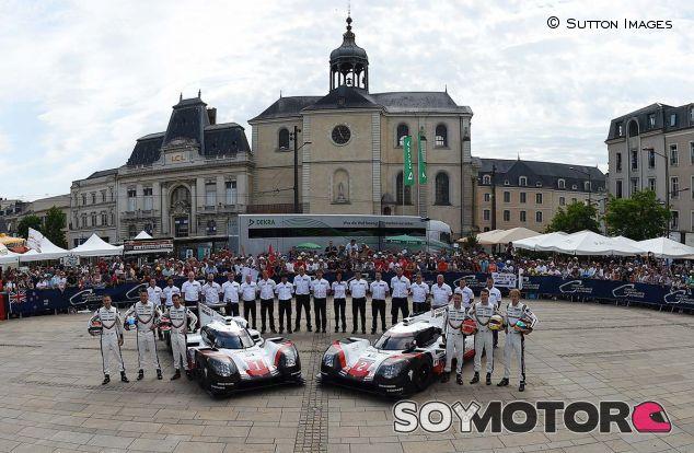 Neel Jani, André Lotterer, Nicholas Tandy, Timo Bernhard, Earl Bamber y Brendon Hartley en Le Mans - SoyMotor.com