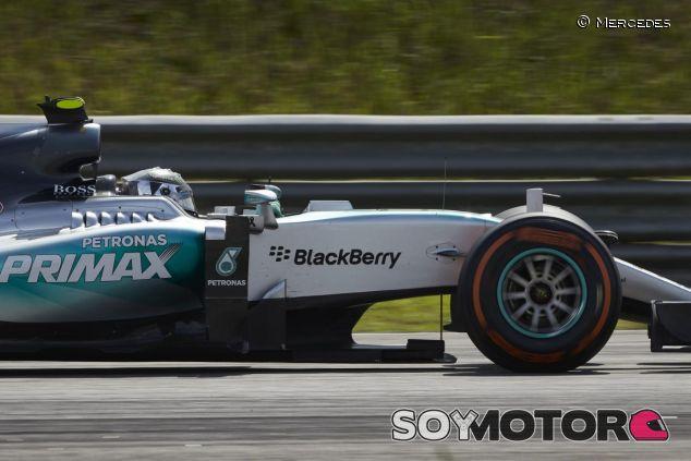 Nico Rosberg marcó la vuelta más rápida de la carrera en Sepang - LaF1