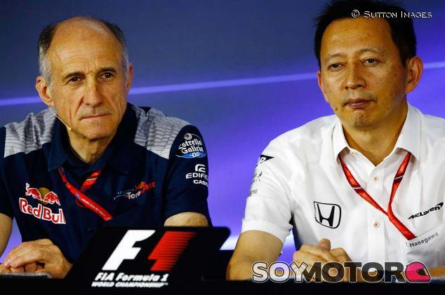Franz Tost y Yusuke Hasegawa en Interlagos - SoyMotor.com