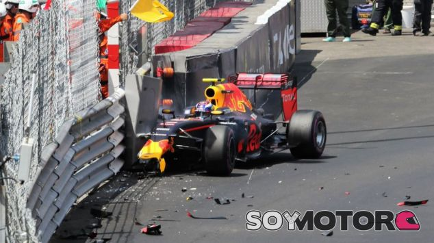 Así ha quedado el coche de Max Verstappen tras chocar contra el muro - LaF1.es