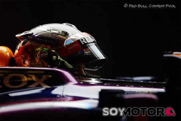 Sebastian Vettel, pensativo en su RB9 - LaF1