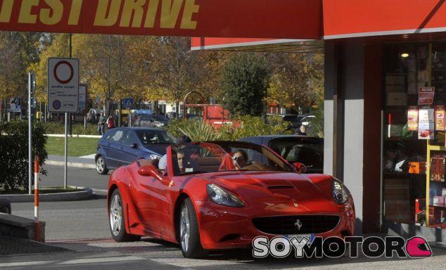 Uno de los negocios de alquiler de unidades Ferrari en Maranello - SoyMotor