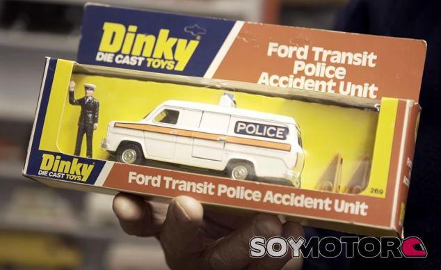 Una de las Ford Transit de modelismo que tiene este apasionado - SoyMotor