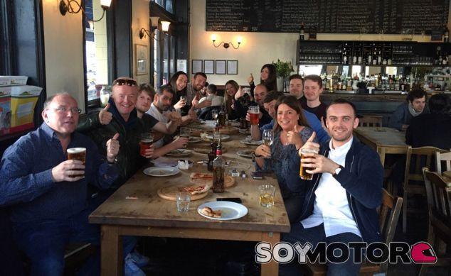 Foto de familia del equipo que forma el nuevo Top Gear - SoyMotor