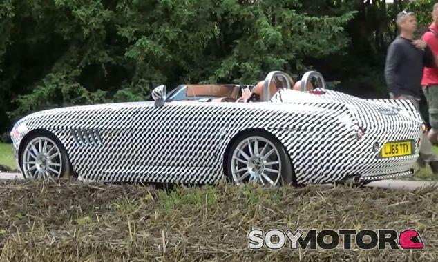 El Bristol Bullet ya posó en el Goodwood Festival of Speed, aunque bajo capas de camuflaje - SoyMotor