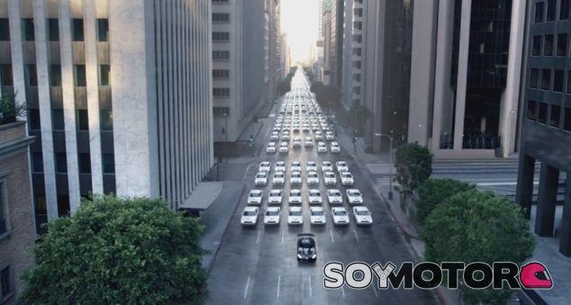 Fotograma del anuncio de Dodge en homenaje a Star Wars - SoyMotor