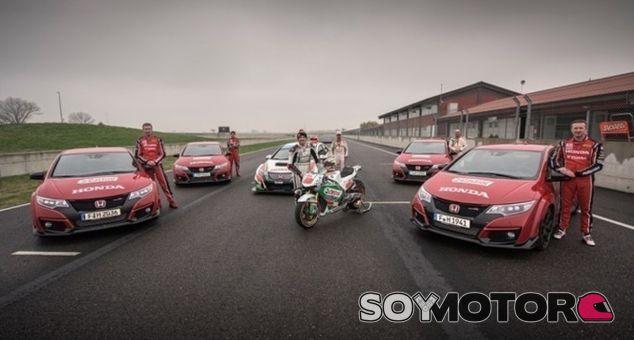 4 Civic Type R, una MotoGP y un WTCC. ¿Alguien da más? - SoyMotor