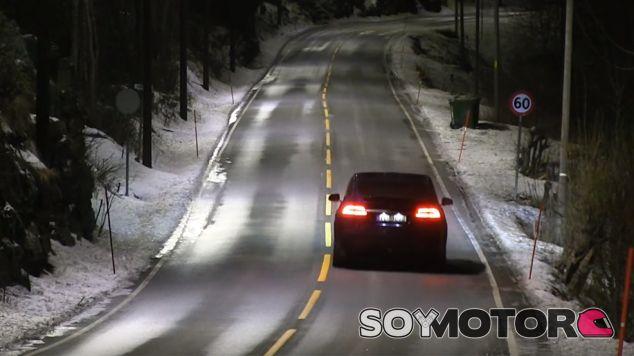 Así son los colores de los Mitsubishi Outlander PHEV de la policía ucraniana - SoyMotor