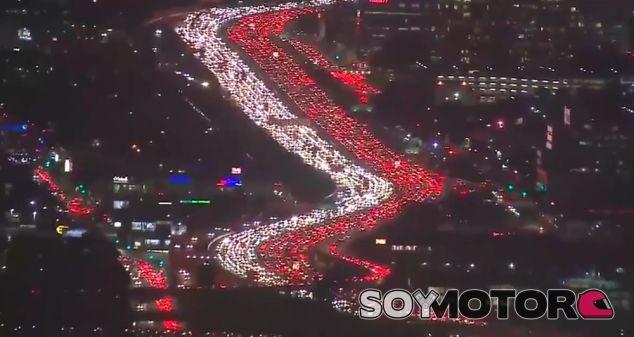 Una imagen del atasco en Los Ángeles - SoyMotor.com