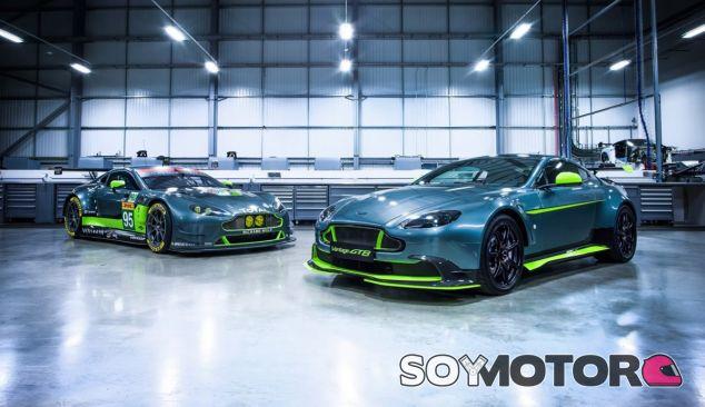 El Aston Martin Vantage GT8 junto a su hermano de competición - SoyMotor