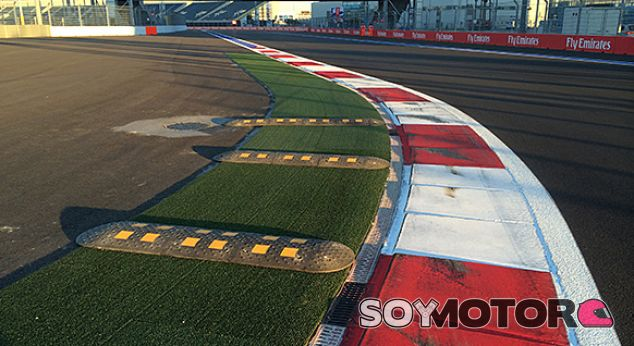 Sochi cambia la velocidad del pit lane y añade badenes en la curva 2 - LaF1.es