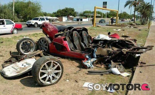 Toda la parte delantera del Koenigsegg CXX 'Custom Vision' quedó irreconocible - SoyMotor