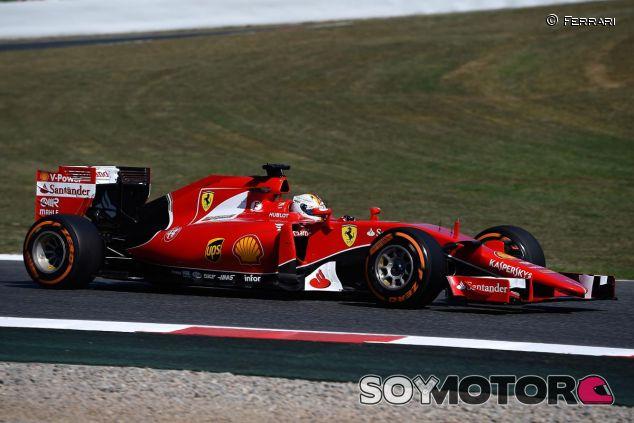 Vettel subido al SF15-T - LaF1.es