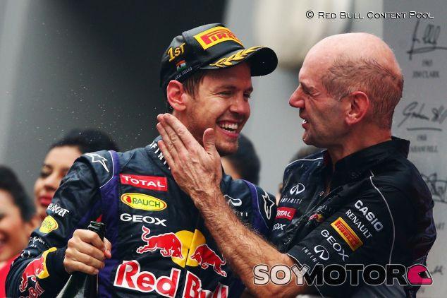 Sebastian Vettel junto a Adrian Newey - LaF1
