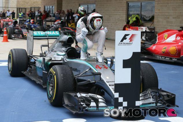 Hamilton se convierte en leyenda al ganar su tercer campeonato del mundo - LaF1