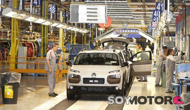 Linea de montaje del Citroën C4 Cactus, uno de los 'bet-seller' de la marca - SoyMotor