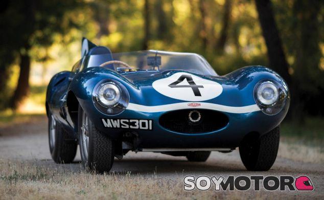 La silueta del Jaguar D-Type es muy característica por su aleta de tiburón - SoyMotor
